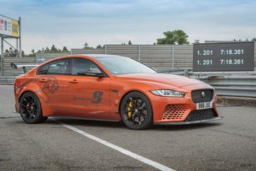 Jaguar XE Project 8 verpulvert eigen Ringrecord