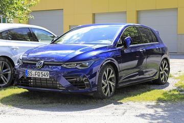 Nieuwe Volkswagen Golf R vanuit alle hoeken
