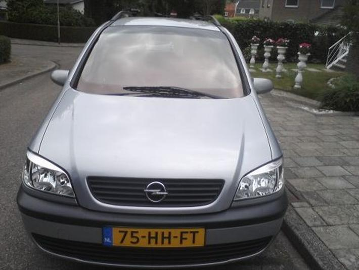 Opel Zafira 1.6i-16V Comfort (2001)
