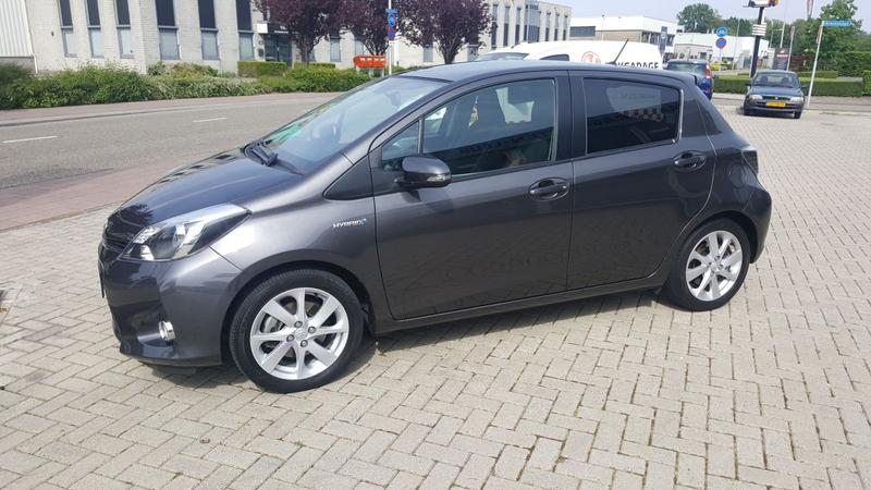 Toyota Yaris 1.5 Full Hybrid Dynamic (2012)