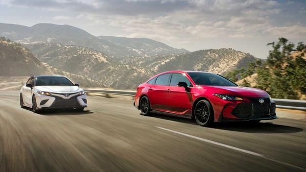 Toyota Camry én Avalon TRD zijn los