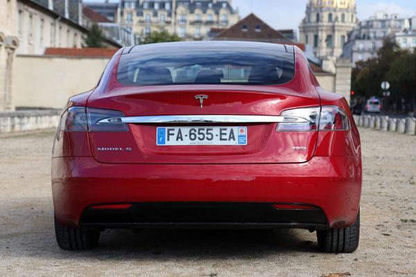 Tesla schrapt 75-versies van Model S en Model X