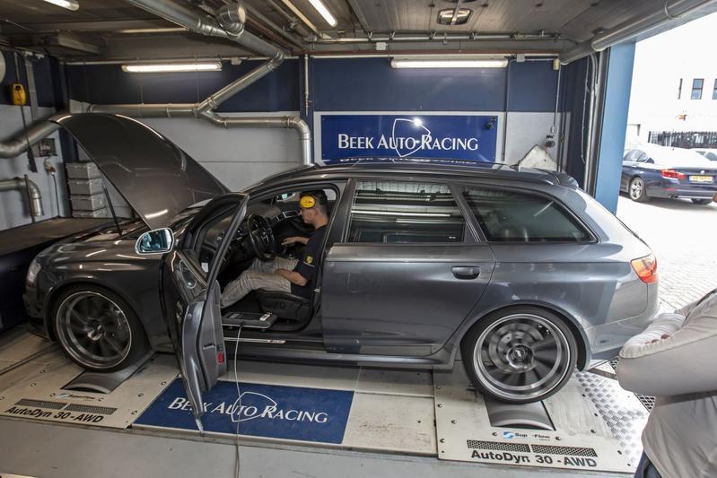 Audi RS6 - Op de rollenbank
