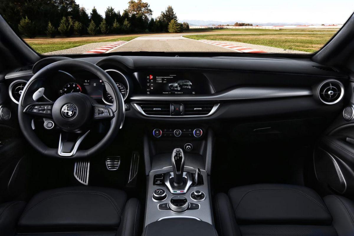 2017 - [Alfa Romeo] Stelvio [Tipo 949] - Page 34 Hk0yl4xba66m