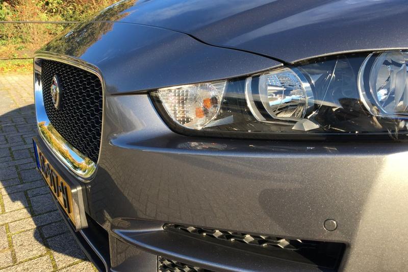 Jaguar XE 20d Prestige (2016)