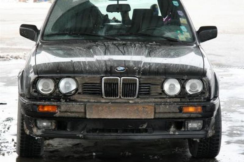 BMW 325iX Touring (1990)
