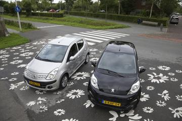 Peugeot 107 - Nissan Pixo