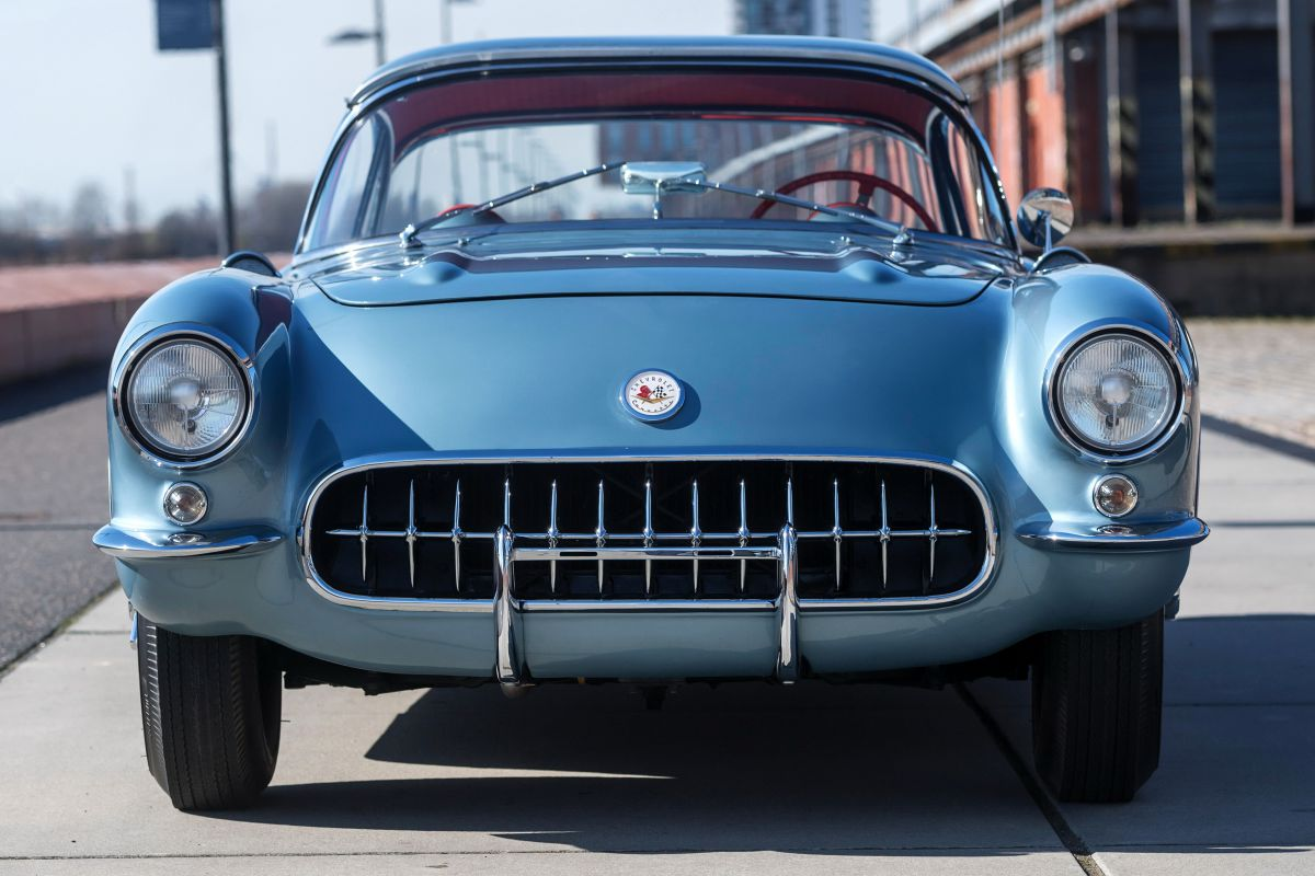 Facelift Friday Chevrolet Corvette C1