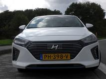 Hyundai Ioniq Hybrid i-Motion