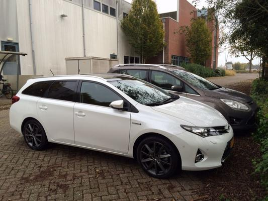 toyota auris touring sports 1 8 hybrid lease plus nl 2014. Black Bedroom Furniture Sets. Home Design Ideas