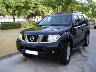 Nissan Pathfinder 2.5 dCi LE Premium (2005)