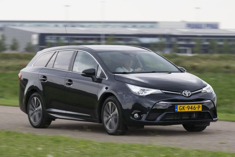 Toyota Avensis Touring Sports 1.6 D-4D-F Lease Pro (2015)