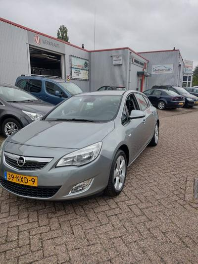 Opel Astra 1.6 Edition (2010)