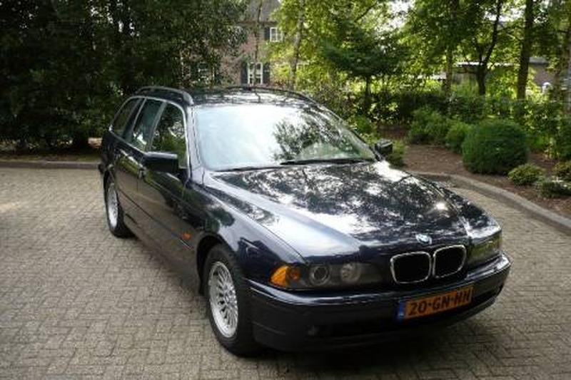 BMW 530d touring Executive (2001) #3