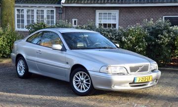 Volvo C70 2.0 T (2000)