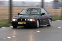 Spiegel - BMW 318i Cabrio (2000)