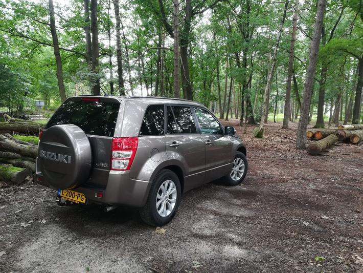 Suzuki Grand Vitara 2.4 Exclusive (2013)