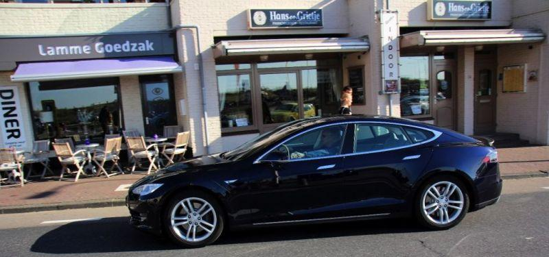 Tesla Model S 85 Performance (2013)
