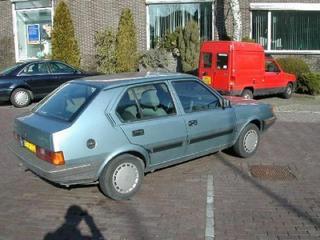 Volvo 340 GL Special 1.4 (1991)