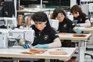 Lamborghini start productie mondkapjes
