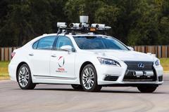 Toyota staakt tests zelfrijdende auto na ongeval
