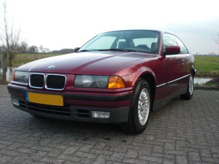 BMW 320i Coupé (1993)