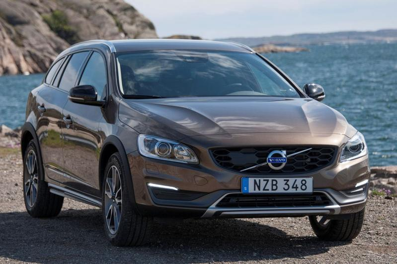 Volvo V60 Cross Country D4 Summum (2015)