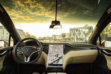 Tesla begint uitrol Full Self-Driving-software
