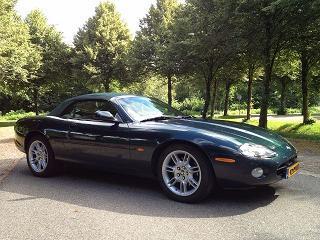 Jaguar XK8 Convertible (2001)