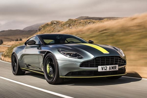 Aston Martin onthult DB11 AMR