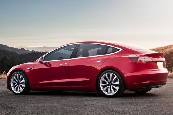 Tesla ontkent productieproblemen Model 3