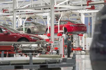Elon Musk vraagt Tesla-medewerkers harder te werken