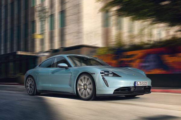 Porsche Taycan 4S onthuld