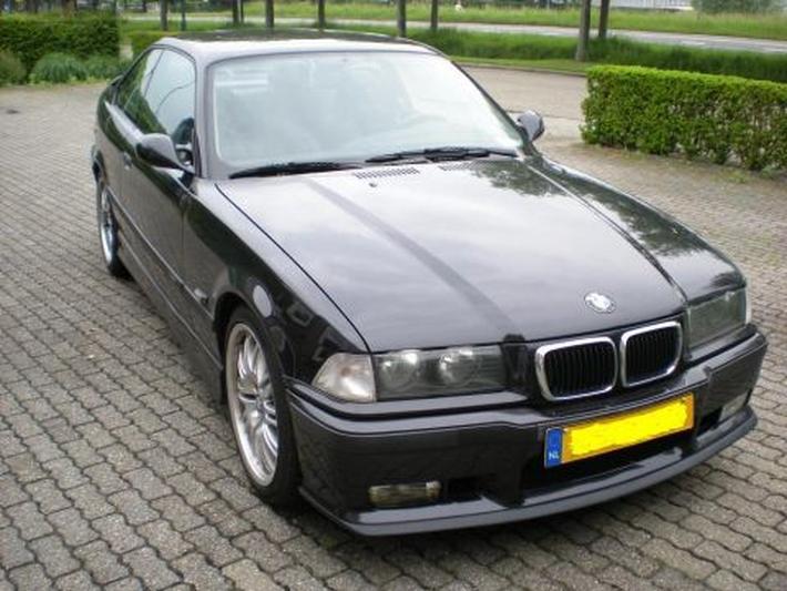 BMW 328i Coupé (1995) #2