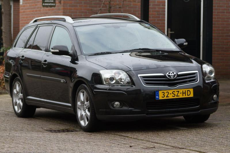Toyota Avensis Wagon 2.0 16v VVT-i D4 Executive (2006)