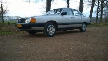 Audi 100 1.8 90pk (1985)