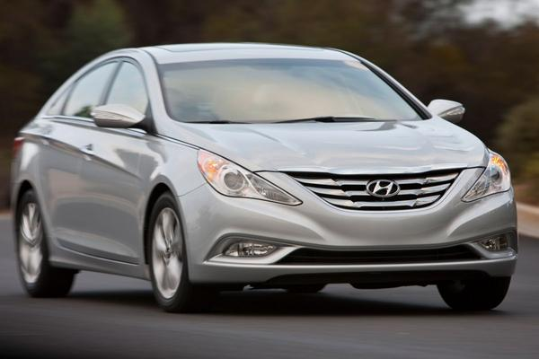 VS onderzoeken airbags Hyundai en Kia