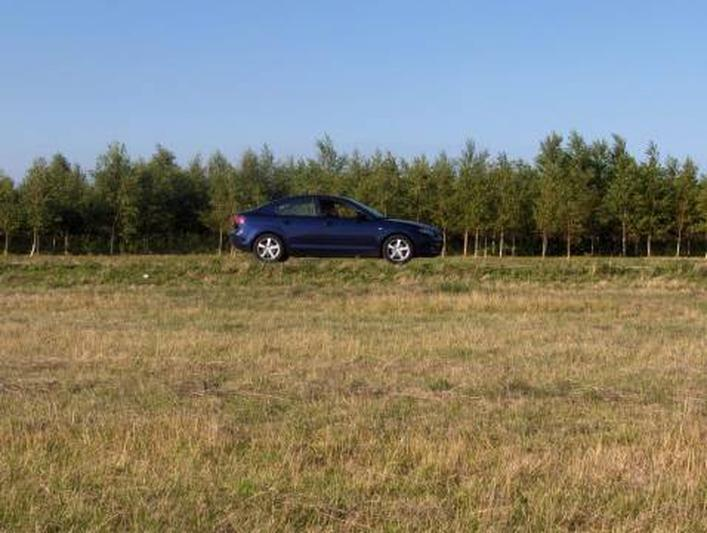 Mazda 3 Sedan 1.6 Executive (2004)