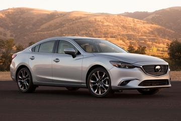 Dit is 'm: de gefacelifte Mazda 6