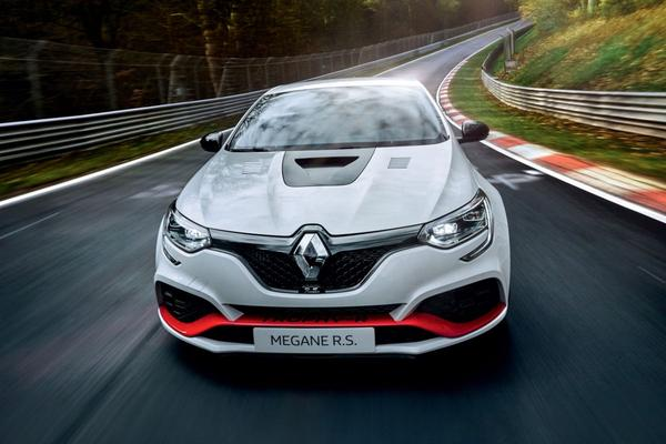 Renault Mégane R.S. Trophy-R zet Ring-record