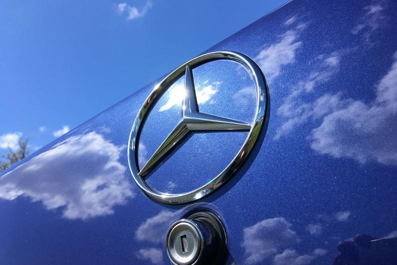 Mercedes-Benz logo embleem ster
