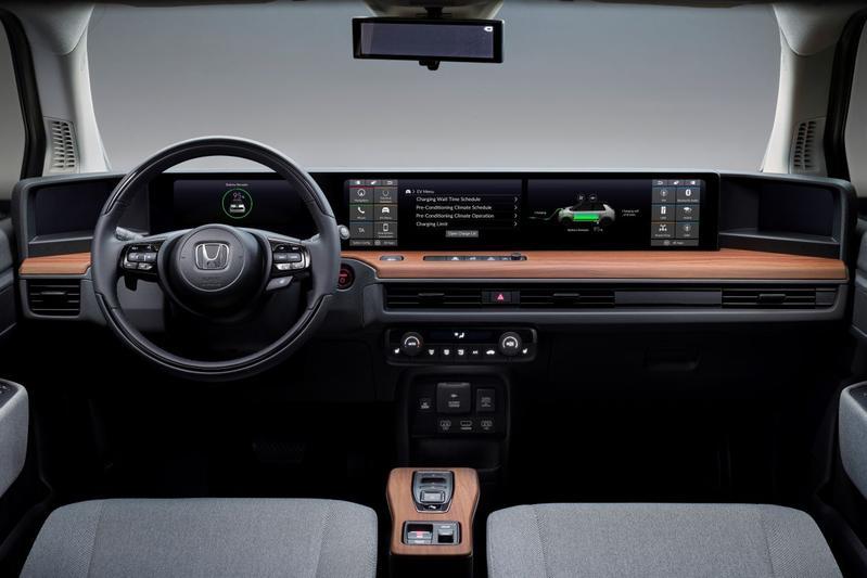 Honda E dashboard