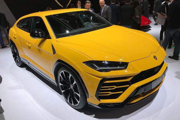 Video: Lamborghini Urus - Genève 2018 Special