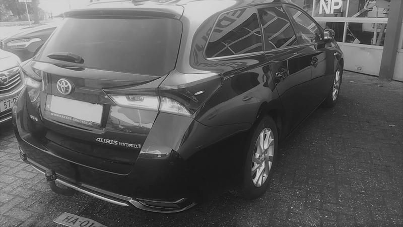 Toyota Auris Touring Sports 1.8 Hybrid Lease Pro (2015)