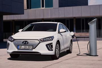 Vernieuwde Hyundai Ioniq Electric komt 294 km ver