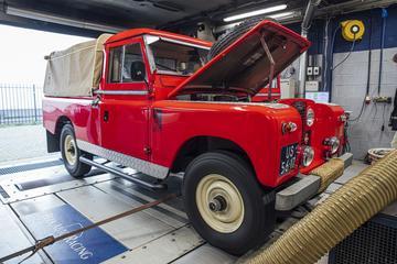 Land Rover Series II - Op de Rollenbank