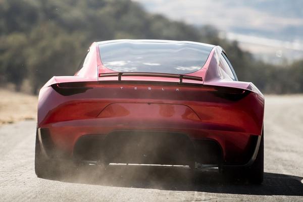 Nieuwe Tesla Roadster krijgt nog snellere variant