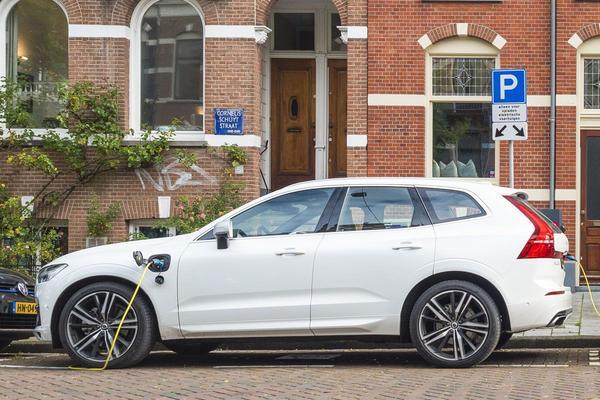 4.500 nieuwe laadpalen in Gelderland en Overijssel
