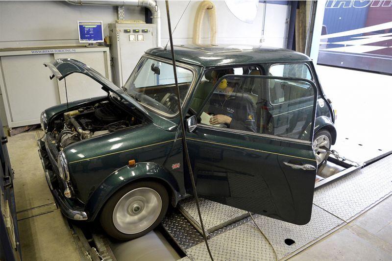 Op de rollenbank - Rover Mini 1.3