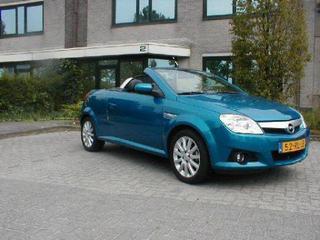 Opel Tigra TwinTop 1.4 Cosmo (2005)